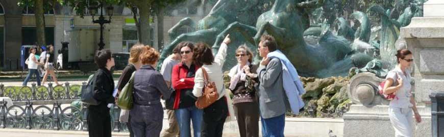 un guide touristique